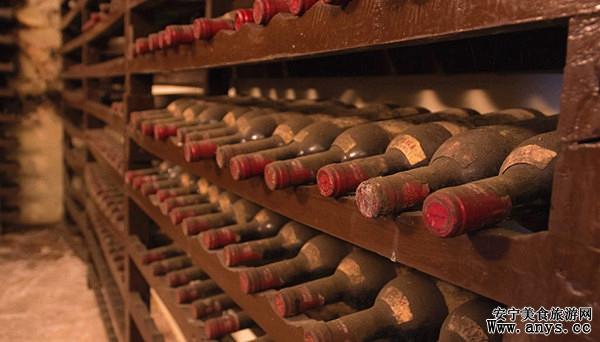 葡萄酒能存放多久与陈年葡萄酒的储存潜力